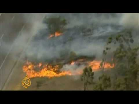 Australia struggles to battle wildfires - 7 Feb 09
