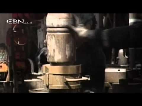 Saudis Target Iran, Russia in High-Stakes Oil War