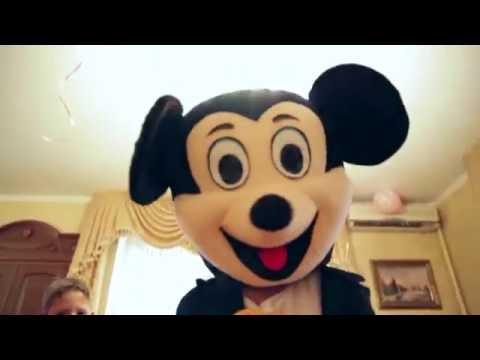 Детский праздник с Микки Маусом.