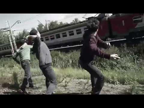 РЖД предупреждает: бросил камень в поезд – попал в человека