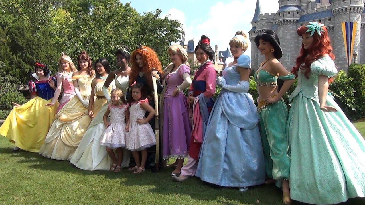 Disney Princesses Doll Dress Up Frozen Elsa Anna Rapunzel