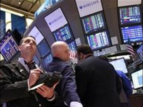 The Dow Jones Industrial Average Plunges 319 Points on 2014 Economic Fears (VIDEO)