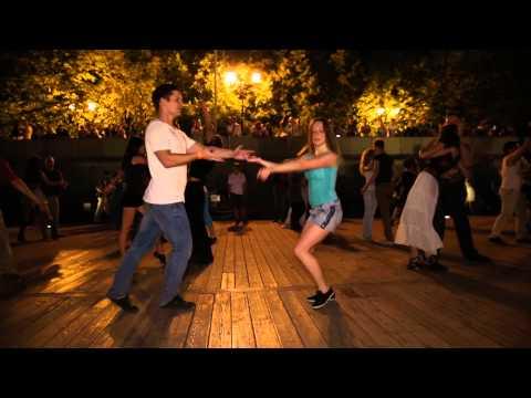 Замыкающий танец на дискотеке. Хастл
