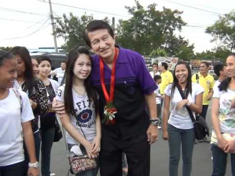 Roilo Golez with PNHS students, 67th Anniversary, Liberation of Paranaque 4 Feb 2012
