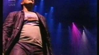 Watch Robbie Williams Let Me Entertain You video
