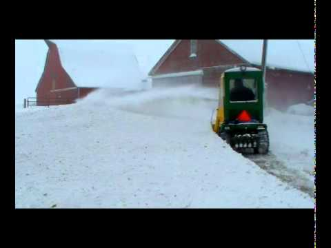 JD 318 blow snow new honda 20 HP.mpg