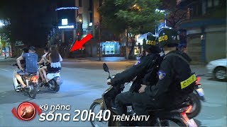 What Vietnamese mobile police do at night | Hidden Camera