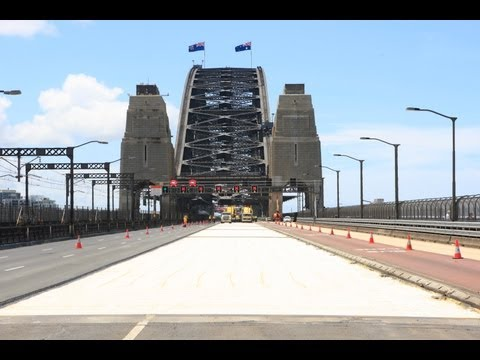 Sydney Harbour Bridge resurfacing