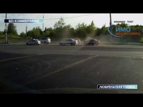 Машина ДПС попадает в аварию