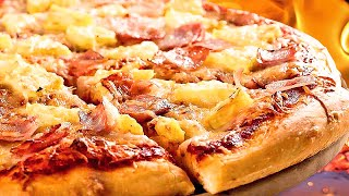 The very best homemade Hawaiian pizza, a Hawaiian pizza with savory toppings!
