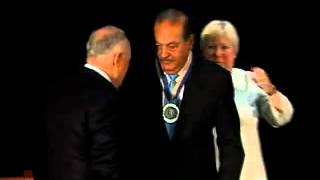 Universidad George Washington otorga Medalla del Presidente a Carlos Slim
