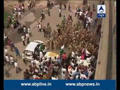Jammu: Stone-pelting, lathicharge on protesters demanding AIIMS