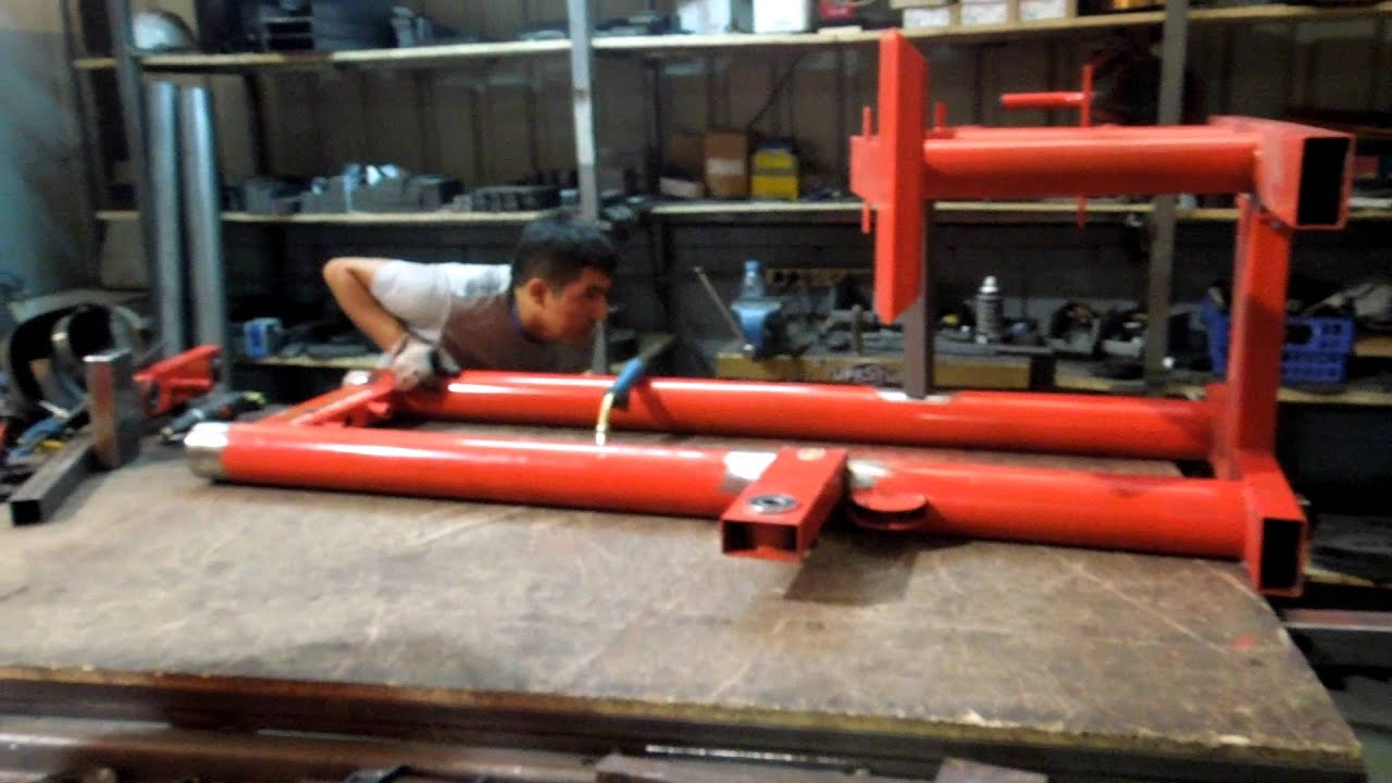 Fabrica de maquinas de gimnasio youtube for Gimnasio casero