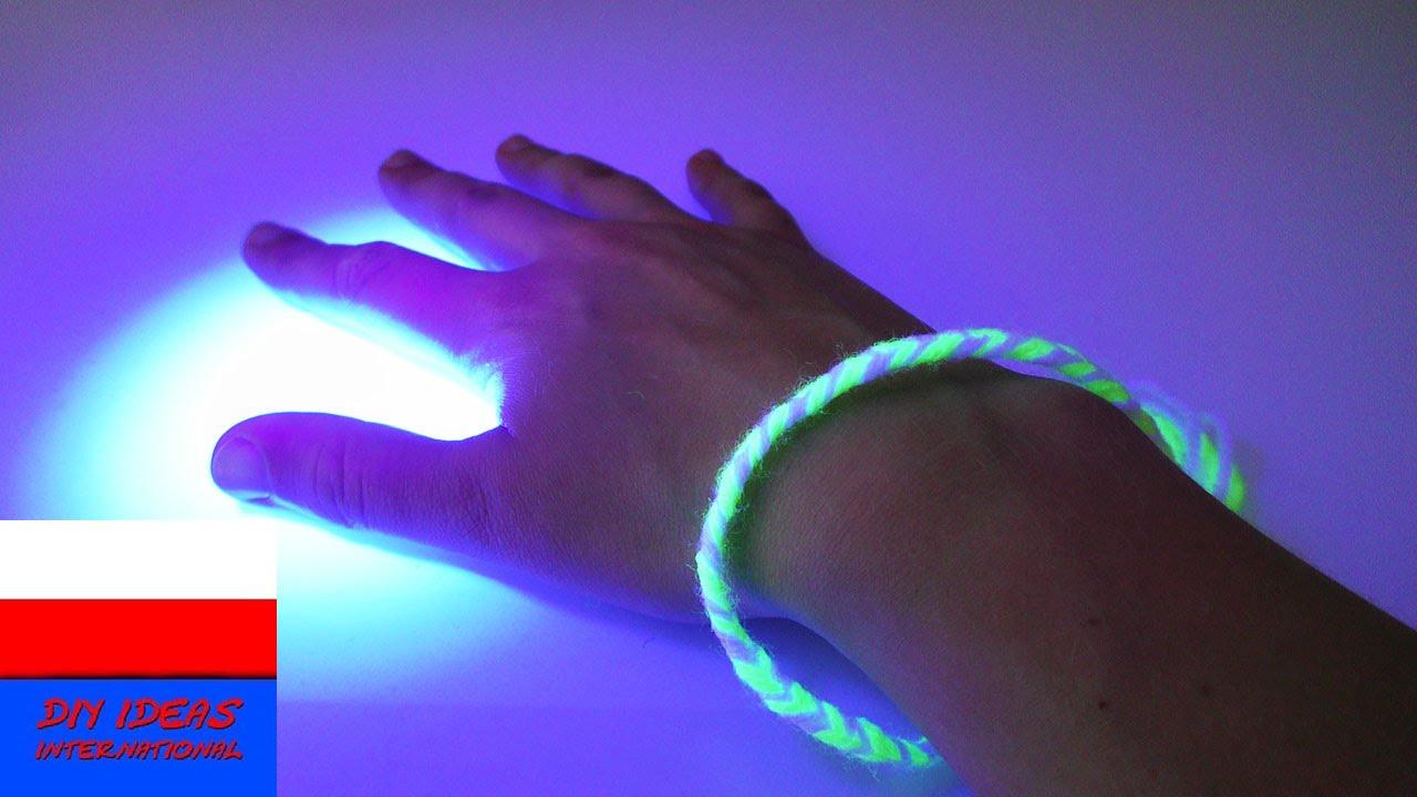Odblaskowa bransoletka z włóczki z czarnym światłem | bransoletka święcąca w świetle UV