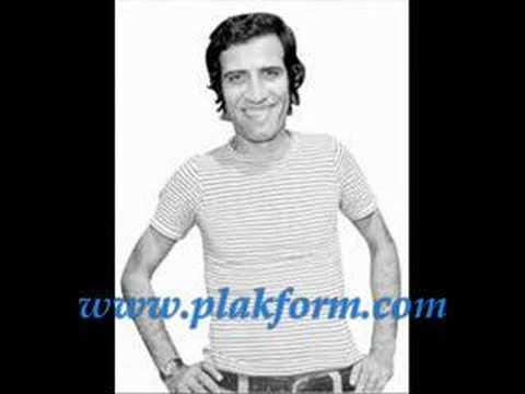 Clip video Kemal SUNAL - Ne Haber (www.plakform.com) - Musique Gratuite Muzikoo
