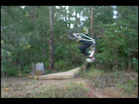 bmx VS downhill.wmv