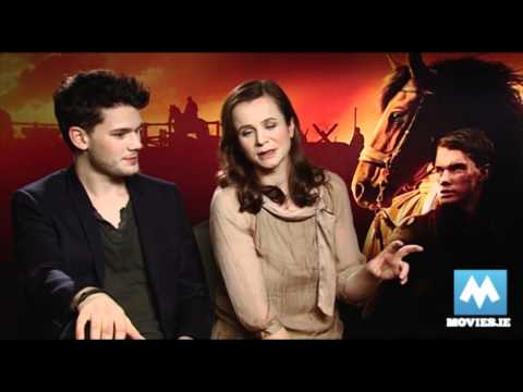 War Horse Interview with Jeremy Irvine & Emily Watson