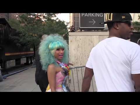Nicki Minaj Poses Topless in Dressing Room - Splash News
