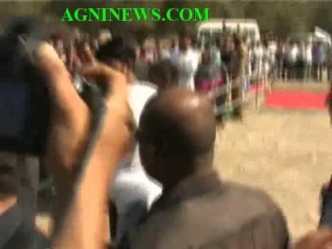ANANTNAG.. SONIYA GANDHI AND RAHUL GANDHI VISIT FLOOD AFFECTED AREAS.