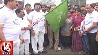 Yellandu MLA Koram Kanakaiah Flags-off 2K Run In Bayyaram