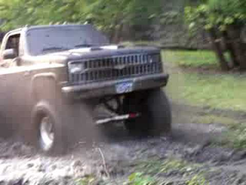 chevy 4x4 playing in mud - YouTube