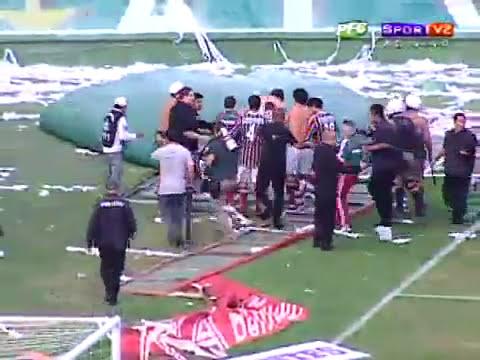 BATALHA CAMPAL NO COUTO PEREIRA CORITIBA REBAIXADO PARA 2° DIVISÃO