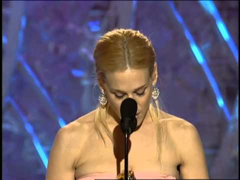 Sarah Jessica Parker Wins Best Actress TV Series Musical or Comedy - Golden Globes 2001