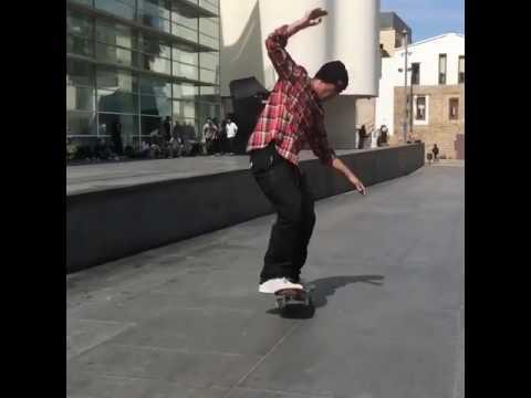 Manual legend @kellyhart 📹: @brycepagter | Shralpin Skateboarding