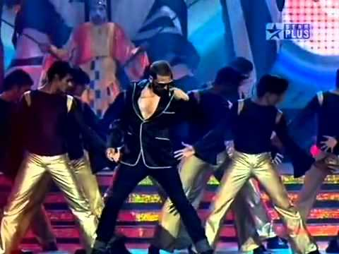 YouTube   Akshay Kumar stage performance with RDB     by raol...