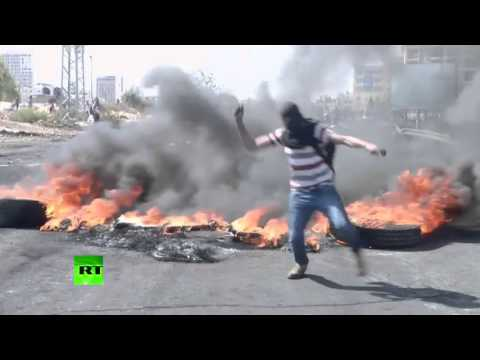 RAW: Palestinian youngsters attack Israeli police with stones, unrest spreads