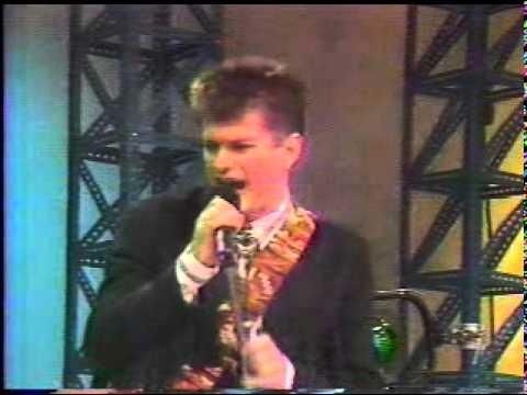 RADIO FUTURA - A CARA O CRUZ - MEXICO 1988.