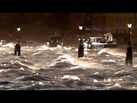 Forte bora e acqua alta a Venezia
