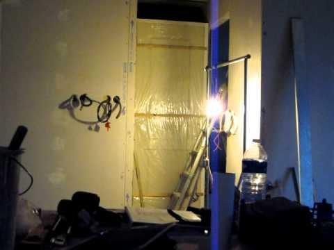Fixation d 39 une porte int rieure et pose de l 39 ossature for Pose d une porte interieure