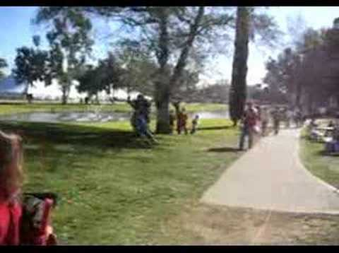 2007 Rose Bowl: Michigan fan takes out USC fan at tailgate