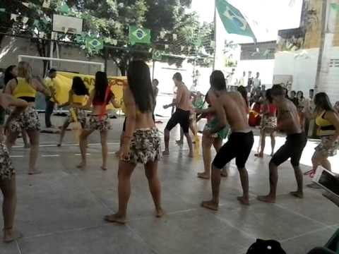 2º Ano - Fcm 2014 - Dança Makossa video