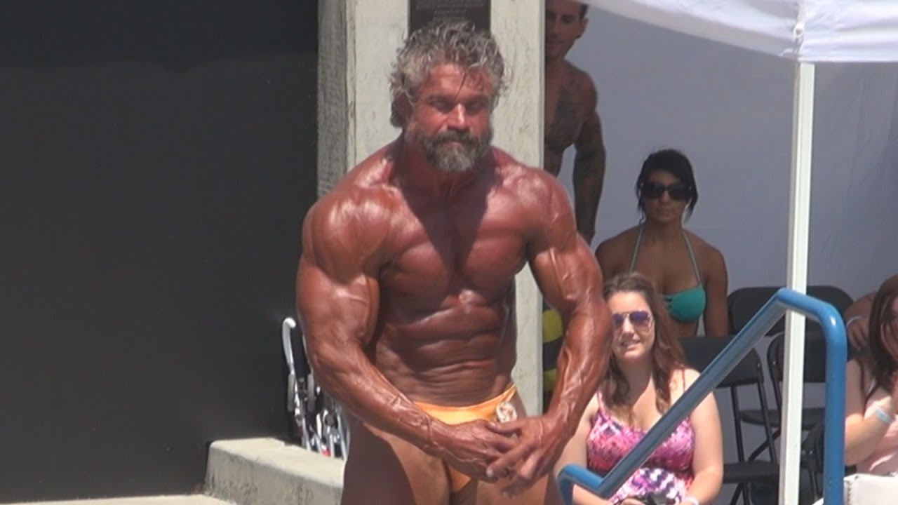 Arthur Hrvatin Jr. Over 50 Posing Routine at Muscle Beach