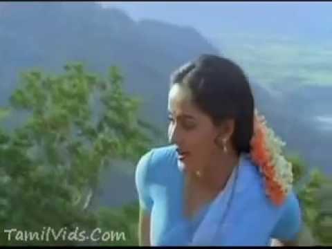 Kulaluthum Kannanukku  Mella Thiranthathu Kathavu video