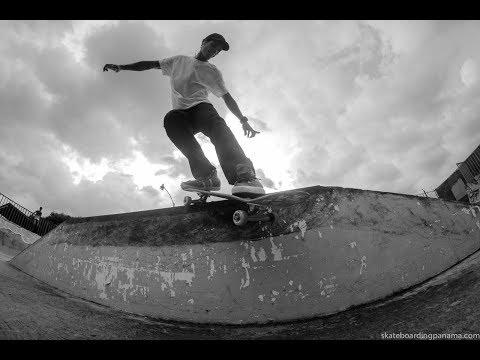 Fernando Garzia y Luis Lamas desde el Skatepark de Chanis.