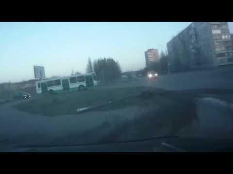 ДТП на перекрестке Молодежной и Солнечной г.Сосновый Бор 02.05.2013г.