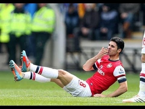 Arteta getting his tooth knocked out!