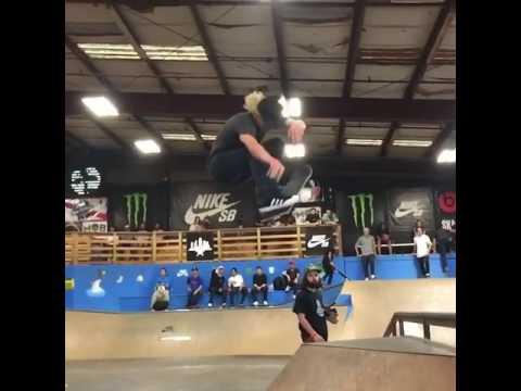 🙌🏻🙌🏻🙌🏻 @alecmajerus | Shralpin Skateboarding