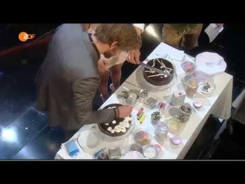 Jennifer Lawrence & Liam Hemsworth on 'Wetten, dass..?' (Part 2 / 2)
