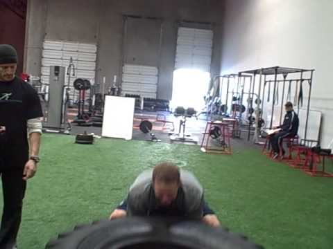 SD Padres Nick Hundley work out with Tom Green