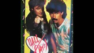 Watch Hall  Oates Wait For Me video