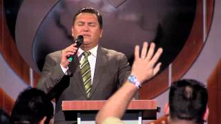 ¡El Espíritu Santo no ha dejado de moverse! Pastor Javier Bertucci (Viernes 26-09-2014)