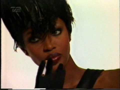 Naomi Campbell - Interview -portrait 1996 #1