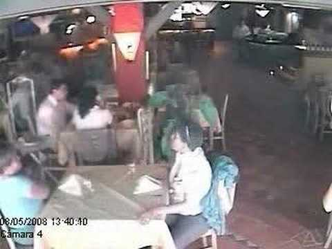 Hurto descarado en un Restaurant!... Por Favor...