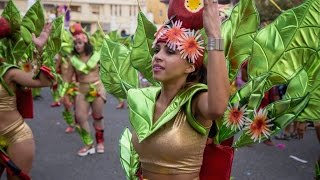 HUGE PARTY!  - Carnaval Parade in Cape Verde