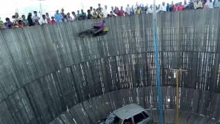 Download मौत का कुआ Car and Bike Stunts The Well of Death 3Gp Mp4