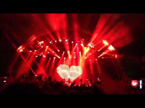 Above & Beyond Live @ Creamfields 2012 Melbourne (Most of their tracks)